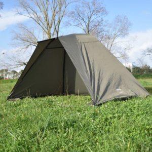 Le Shelter Flash Night Prowess est un abri compact, leger et rapide à monter pour les peches rapides ou pour les pêches très mobiles.